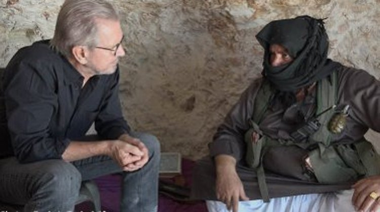 Jürgen Todenhöfer taking interview with rebel commander Abu al-Ezz