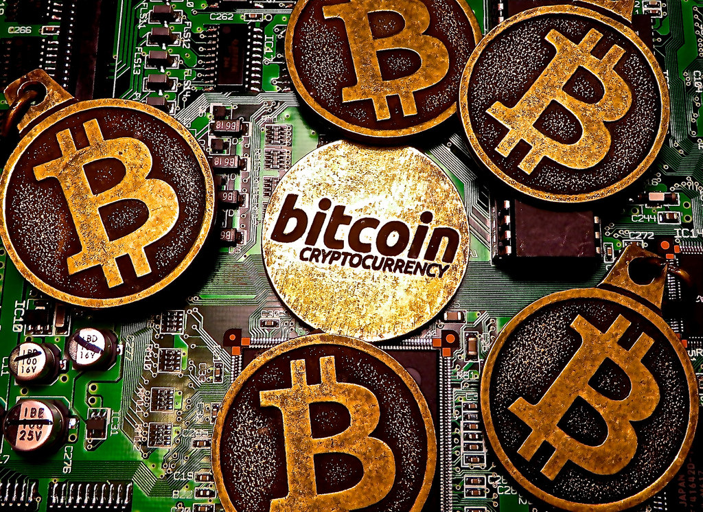 "Review of ""The Politics of Bitcoin: Software as Right-Wing Extremism"""