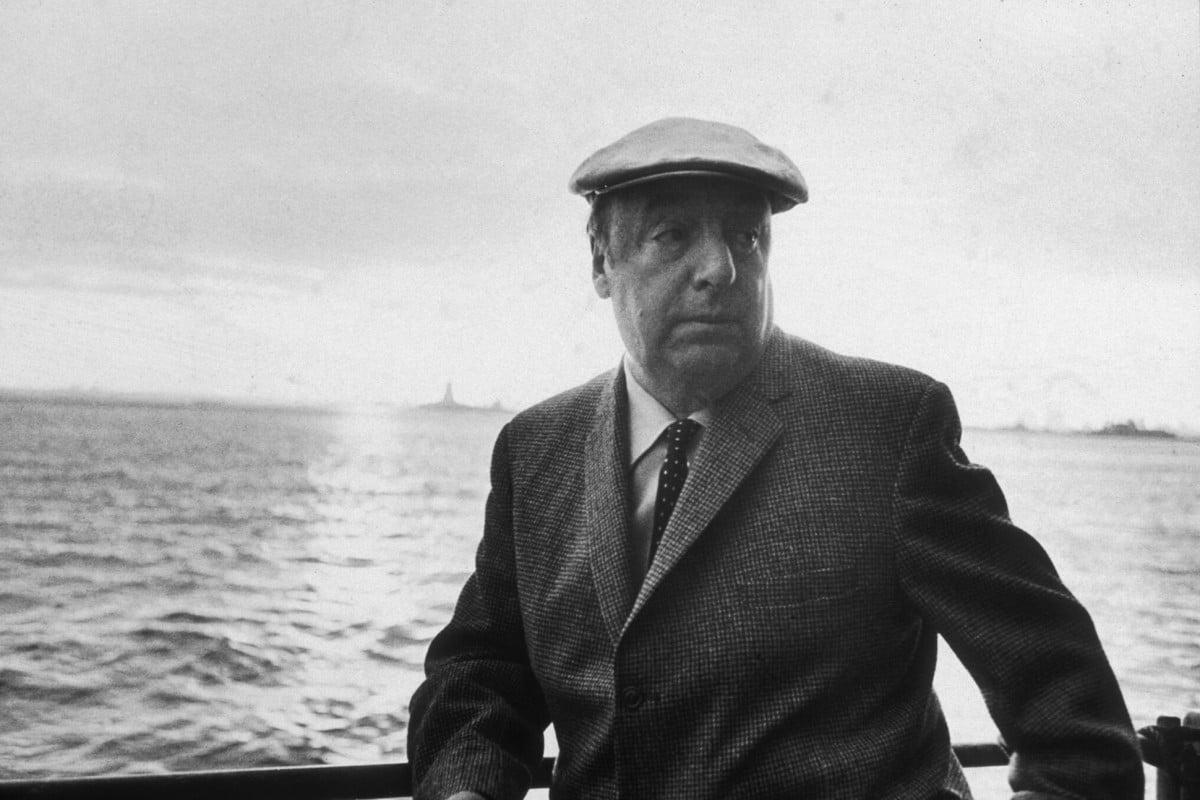 Pablo Neruda ile ilgili görsel sonucu