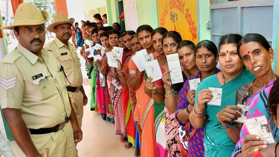 BJP poaching MLAs, claim Karnataka Congress frontrunners