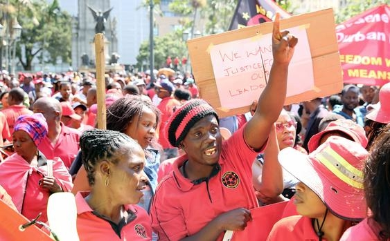 Plastic workers in South Africa on strike demanding a 15% salary hike