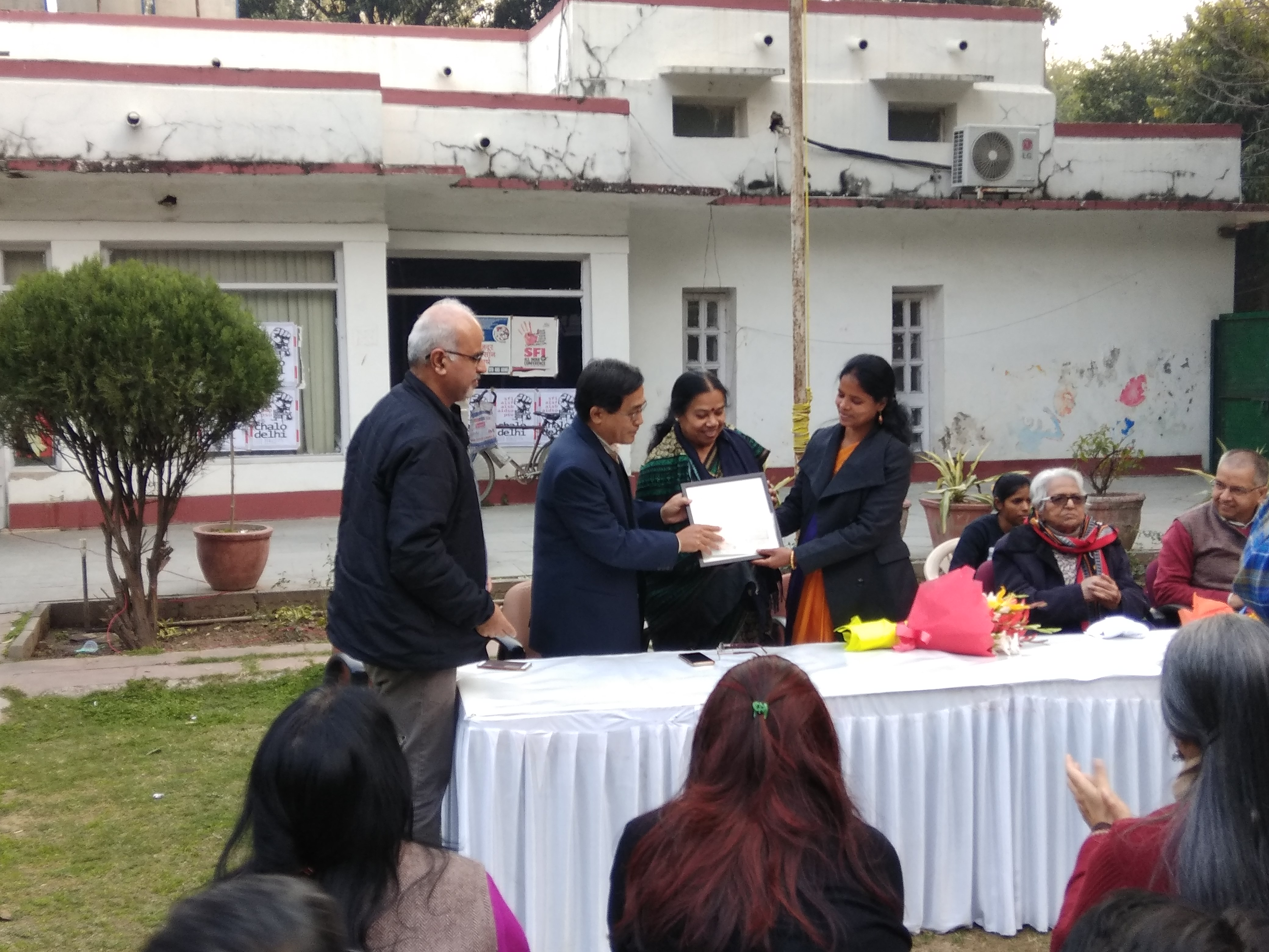 First 'Ramnika Samman Puruskar' Awarded to Adivasi Author Jyoti Lakra