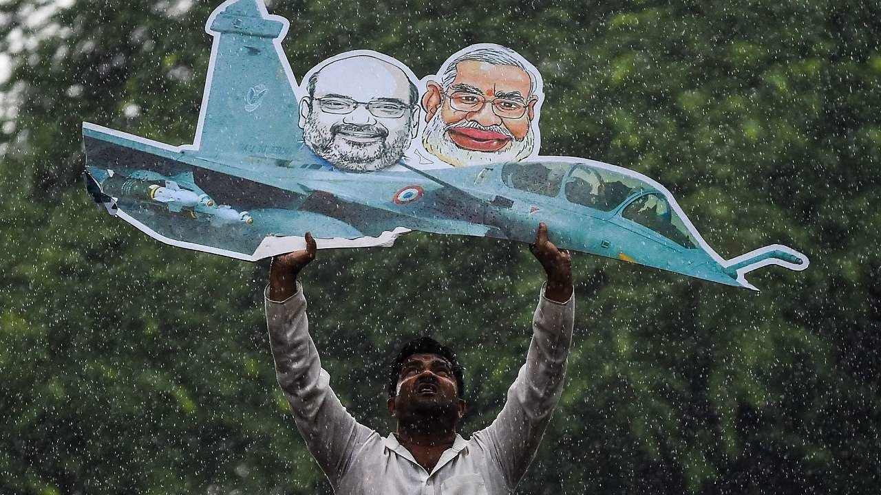 Govt  Waived Anti-corruption Clauses in Rafale Deal, Says