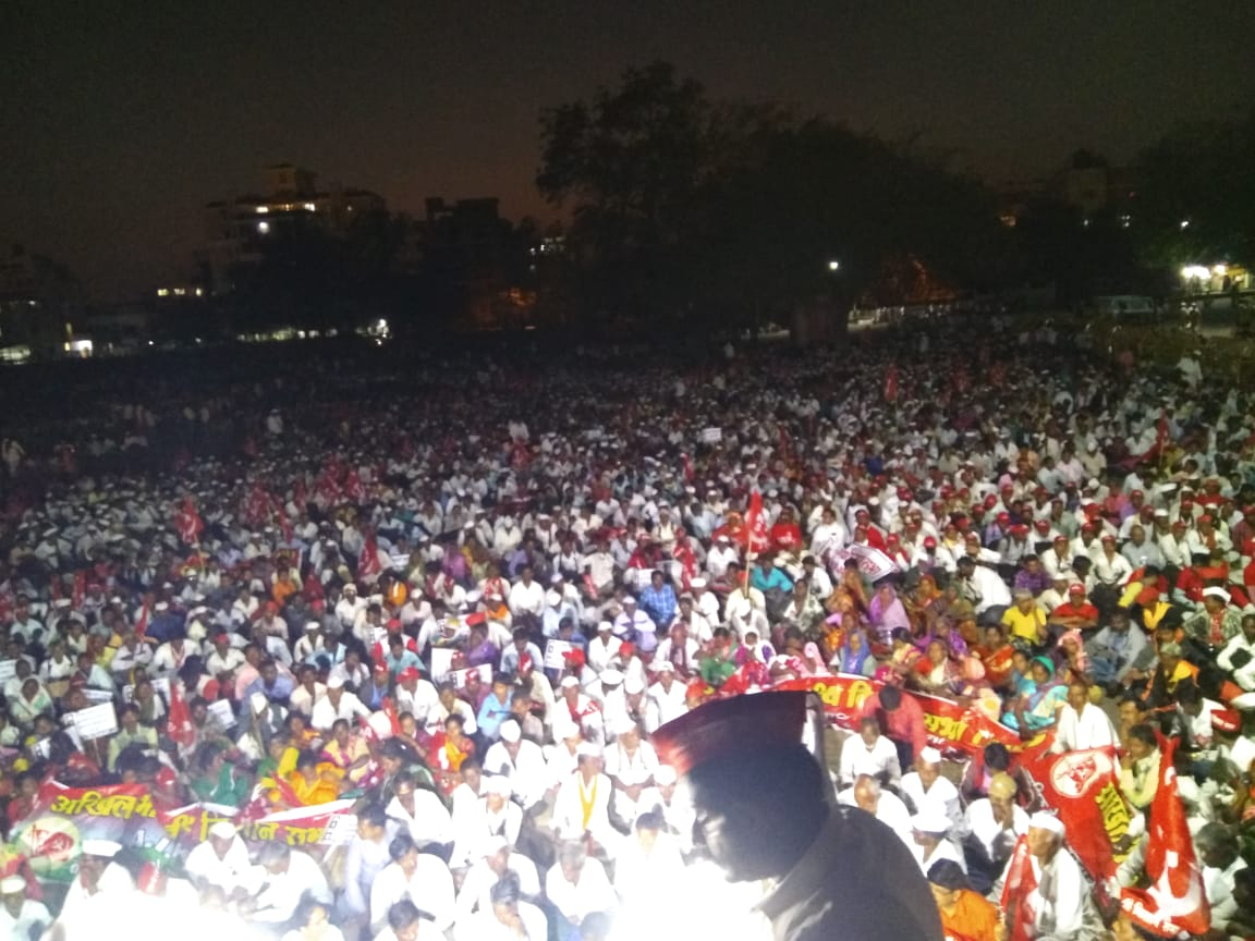Thousands of Farmers Gather at Nashik to Participate in Kisan Long March