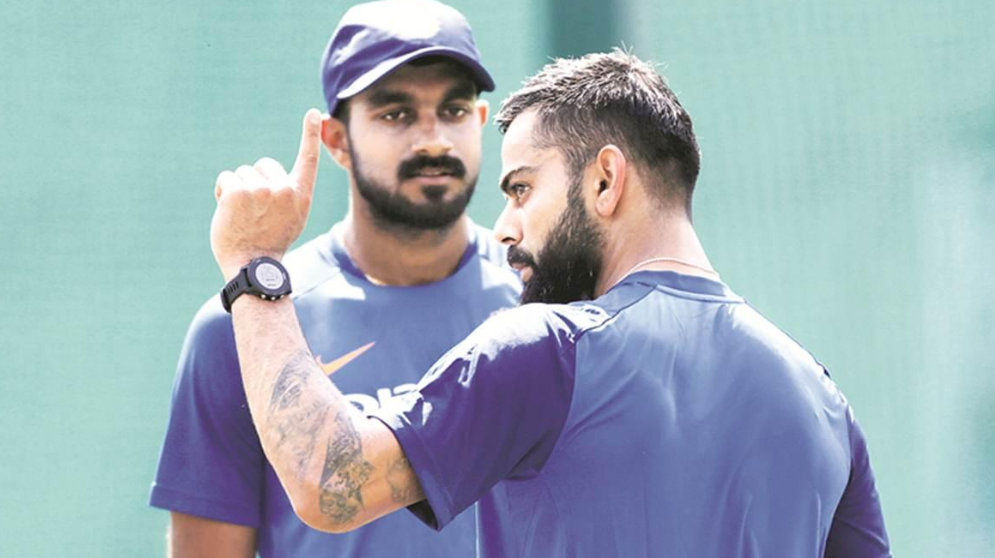 Vijay Shankar with Indian cricket team skipper Virat Kohli