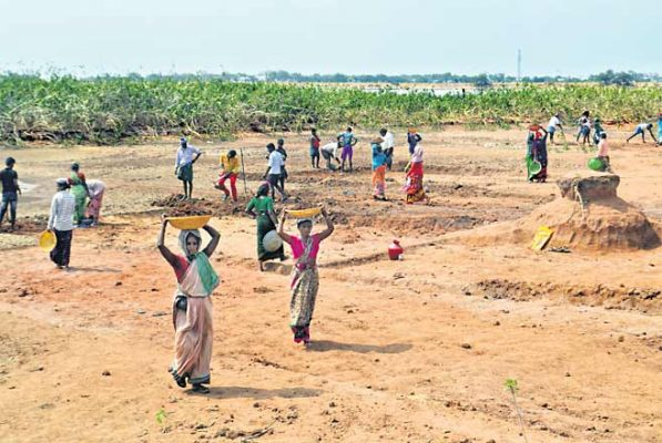 MGNREGS workers telangana buried