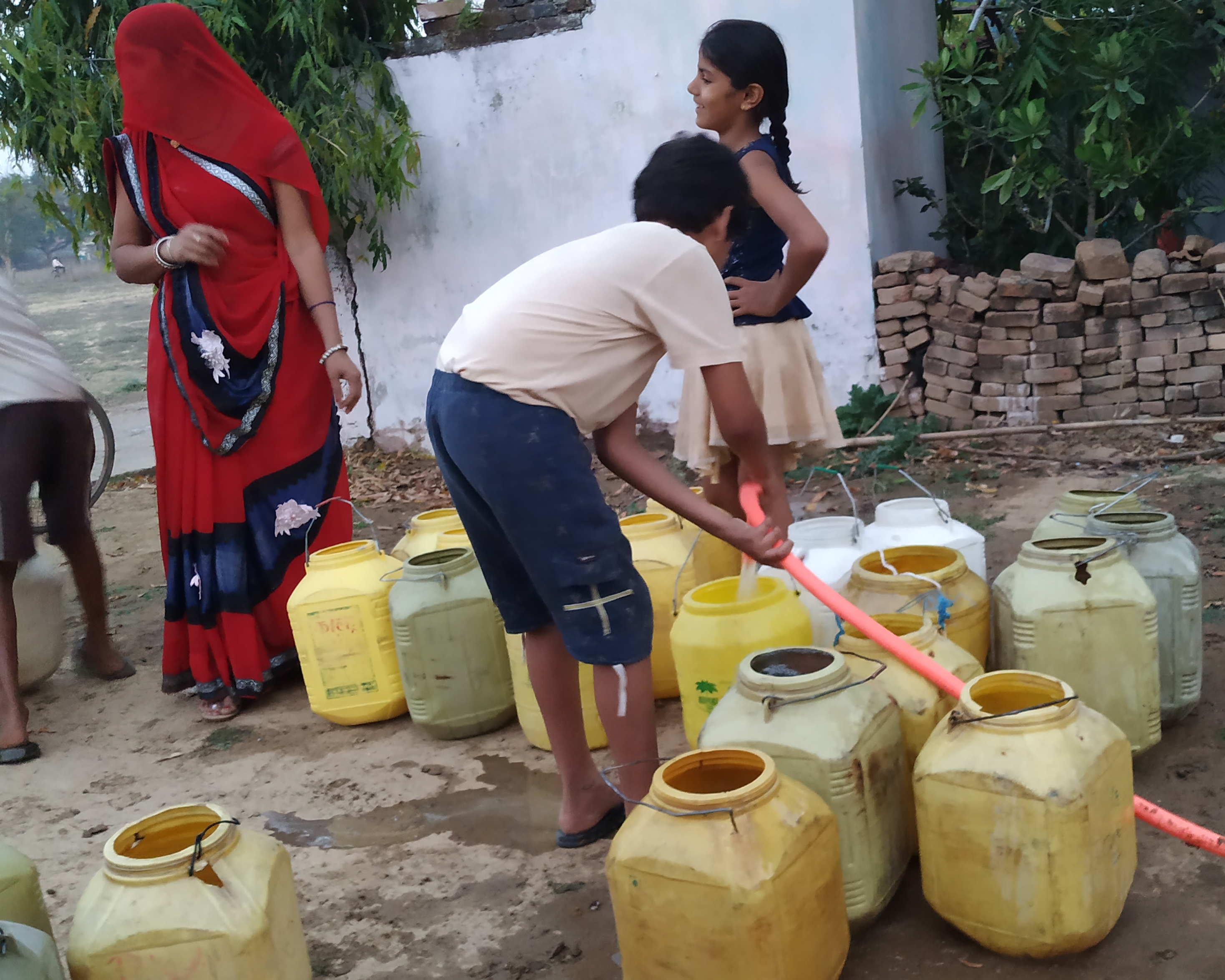 No Water, Electricity, Schools or Healthcare in 'Adarsh' Villages of Vindhya Region