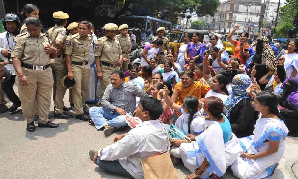Telangana ASHA Workers Stage Protest, Demanded Fixing of Salaries