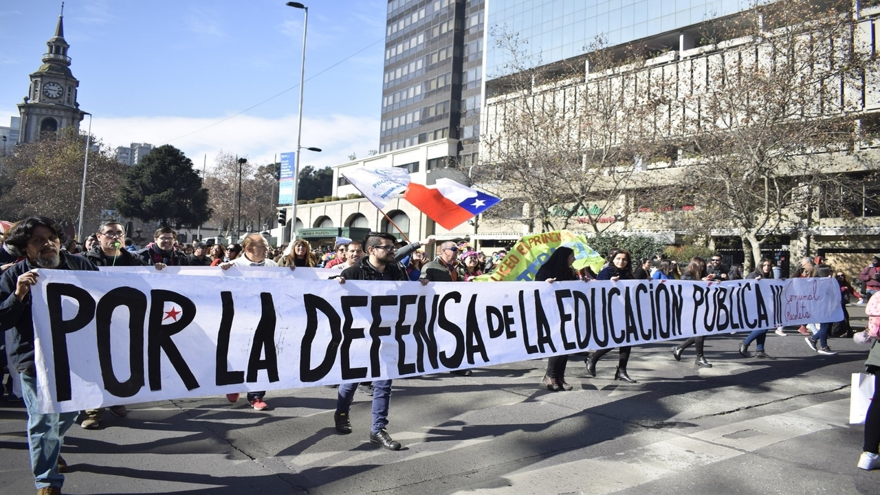 Chilean Teachers Vote
