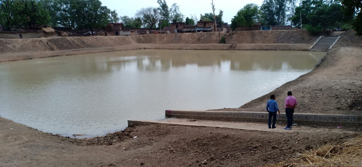 Bundelkhand Drought: Villagers Of Banda Working Hard To Revive Ponds, Wells