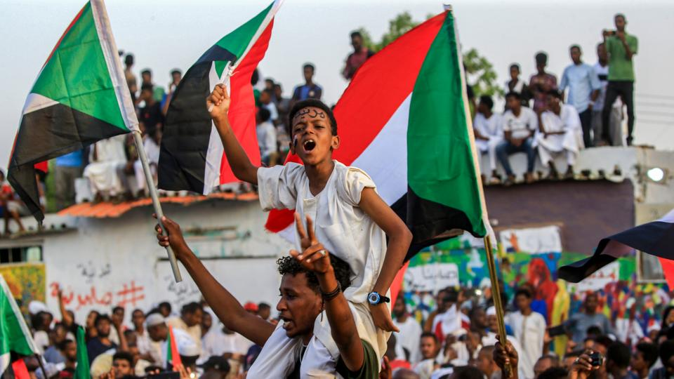 The Sudanese military junta and civilian protesters reached an agreement on July 5 on the transitional government for 39 months.