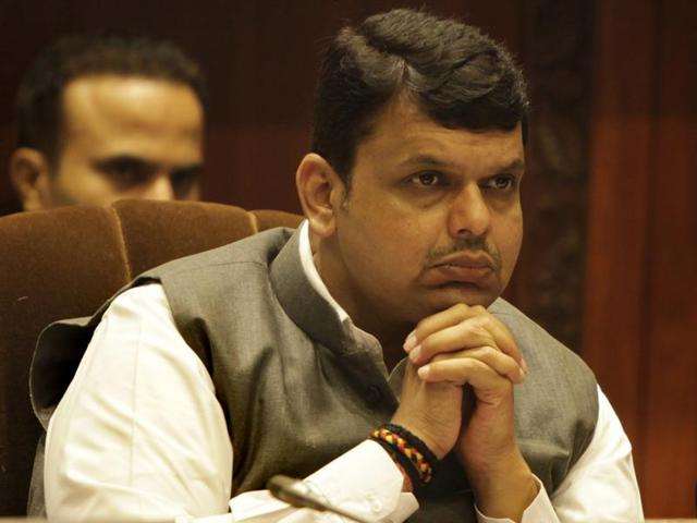 Devendra Fadnavis Axis Bank