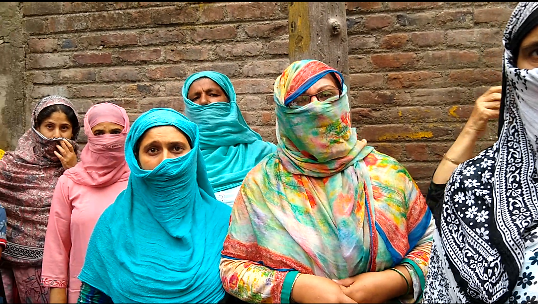 Kashmir: Women in Rainawari Accuse