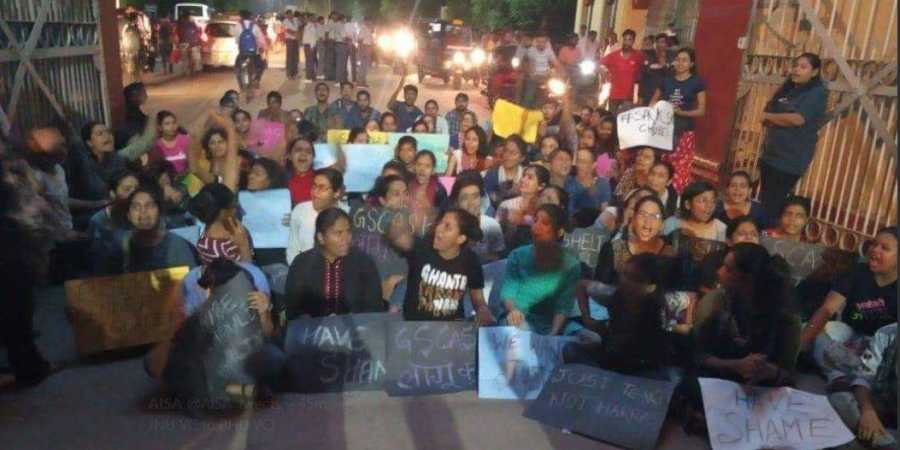 BHU: Prof Accused of Sexual Harassment Sent on Long Leave Following Massive Students' Protest