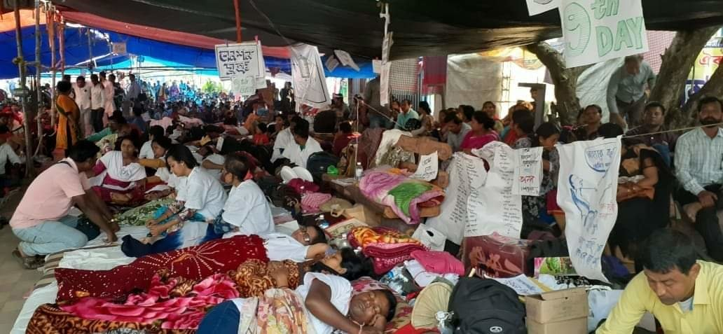 West Bengal Para-Teachers' Hunger Strike Enters Day 25