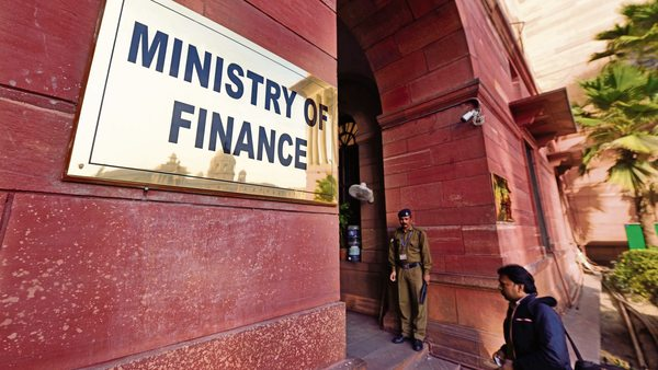 Govt May Cut over 7% or Rs 2 Trillion in Budgetary Allocations for 2019-20