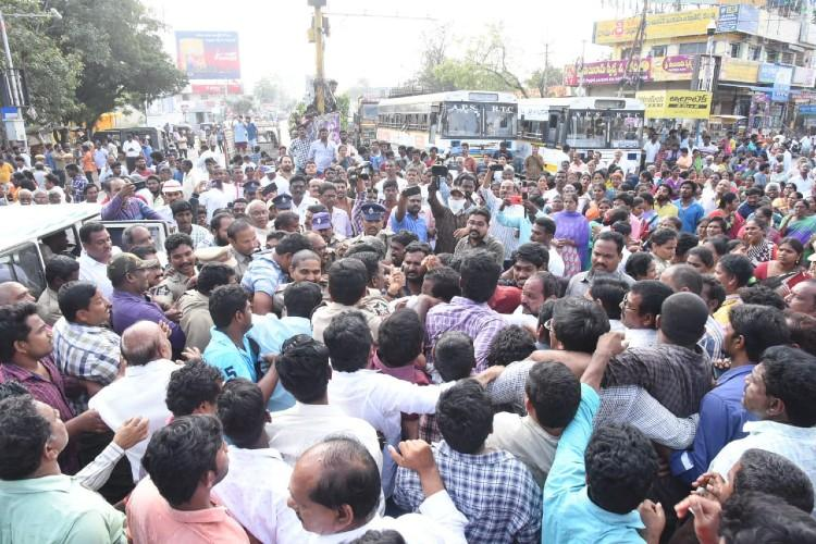 Amaravati Farmers' Hold Bandh Across 29 Villages