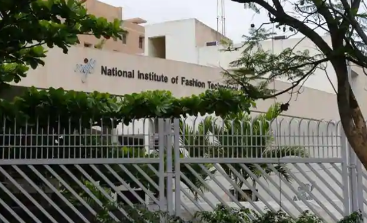 Nift Refuses To Decrease Fees Stops Students From Protesting Newsclick