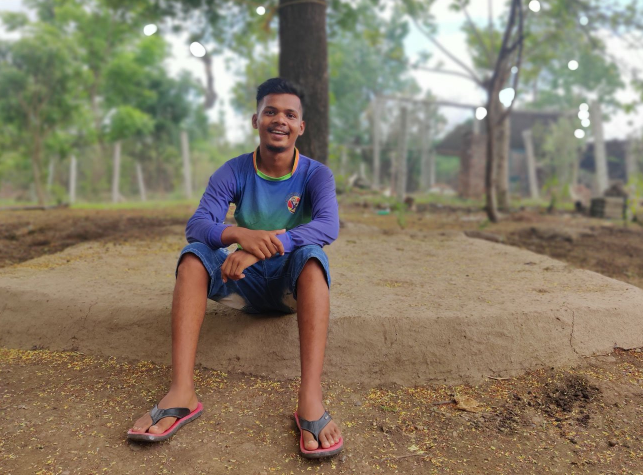 Ankesh Yalvi uses online education apps, but only when there is network