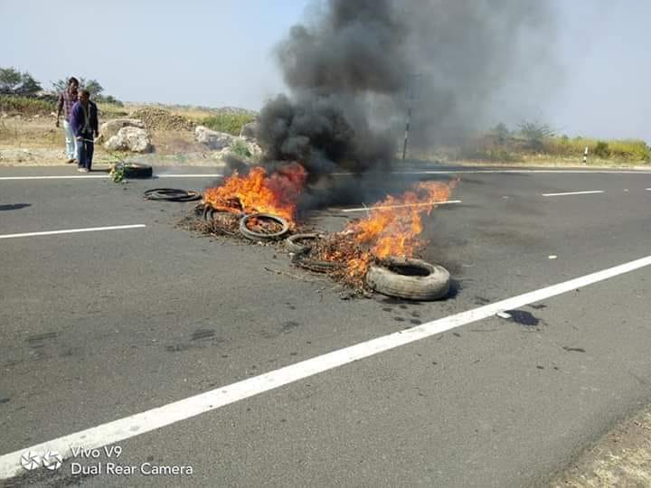 Tyres%20were%20burnt%20to%20generate%20smoke%20as%20sign%20of%20protest.jpg