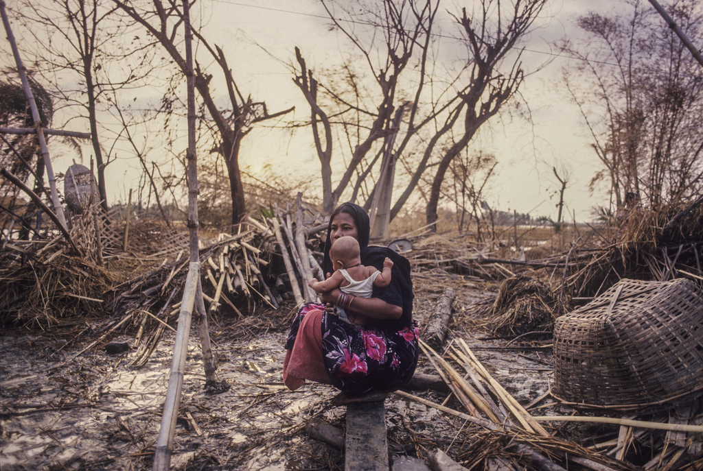 _pic 3_ Mother and child, Bangladesh, 1991. Pic_ Shahidul Alam_.jpg