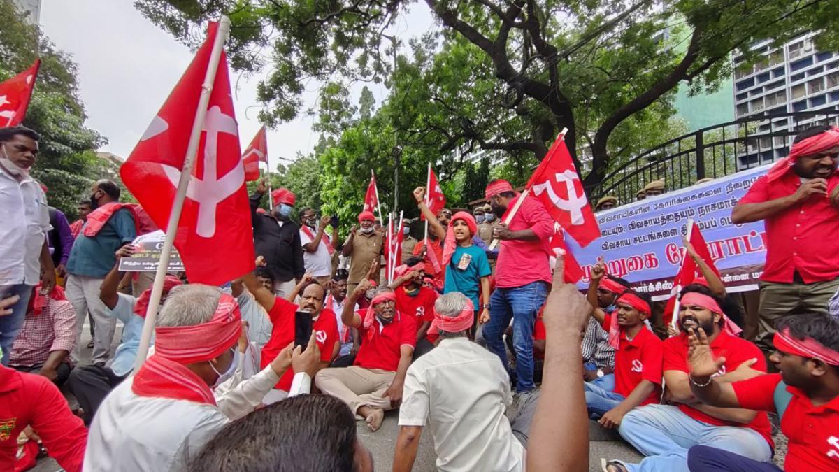 TN: CPI(M), CITU Hold Road Blockades, Demo in Support of Protesting Farmers  | NewsClick