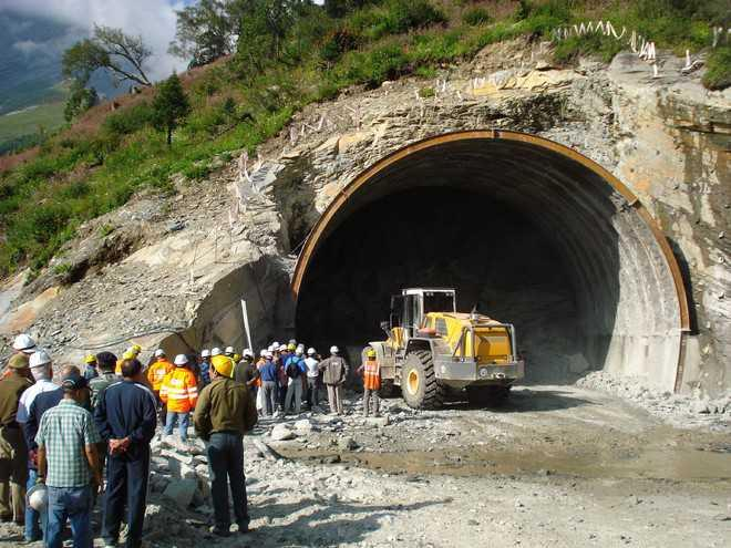 Rohtang Tunnel – Remember the Workers who Built it