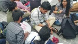 DU Students Protest Against Unfair Evolution of Answer Sheets