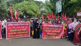Tribal peasants protest in Thane