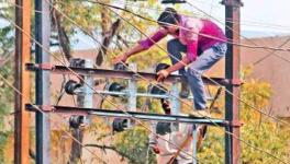 Punjab: Families of Electrocuted Linemen Protest Demanding Compensation and Jobs