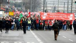 German Trade Unions Hold Warning Strike Against Delay in Wage Negotiations