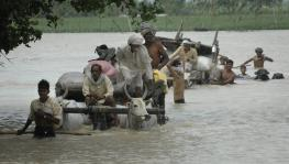 Floods Force Villagers to Migrate to Safe Places in UP
