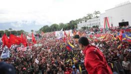 President Nicolás Maduro received the multitude of students at the monument Paseo Los Próceres and thanked them for their support to the Bolivarian Revolution.