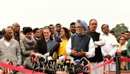 Delhi Violence: Congress Team Meets President