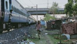 Feed Workers on Shramik Trains