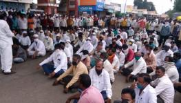 Maharashtra: Onion Growers Hit the Road to Protest Against Export Ban