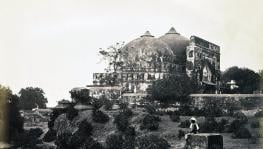 (19th century photo of Babri Masjid, Source- Wikimedia Commons)
