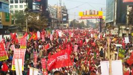 Thousands of Farmers Protest against Farm Laws in Patna, Police Lathi Charge on Rally