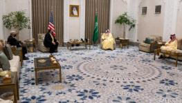 Crown Prince Mohammed bin Salman (R) received US Secretary of State Mike Pompeo, Neom, Saudi Arabia, Nov. 22, 2020