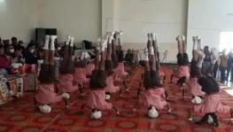 yoga children UP.
