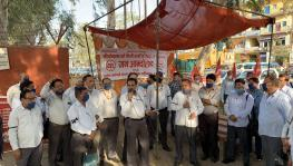 CEL Employees Continue Fight Against Privatisation, Dharna Crosses 27 Days