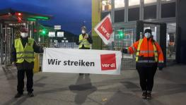 Picket at Amazon Bad Hersfeld. Photo : Ver.di