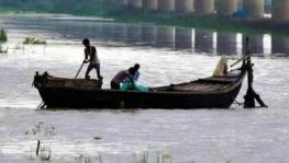 Centre asks States to Check Incidences of People Dumping Suspect COVID-19 Bodies in Ganga and Tributaries