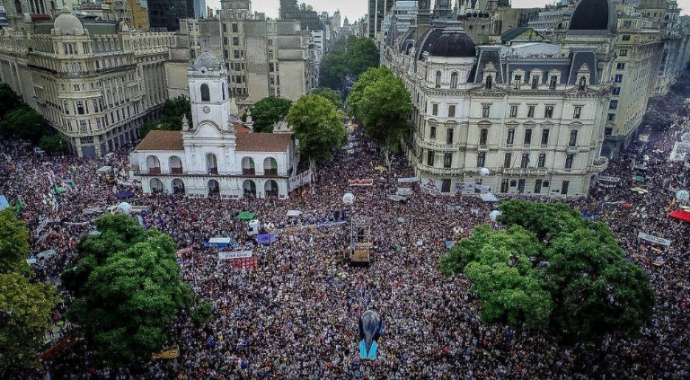 Hundreds of thousands mobilized to the Plaza de Mayo in Buenos Aires on the 43rd anniversary of the Military coup