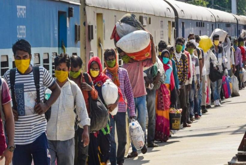 K'taka Govt Agrees to Resume Trains for Migrant Workers