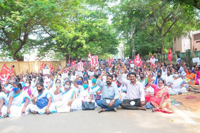 2000 ASHAs Detained in AP during Protest Demanding Implementation of NHM Norms