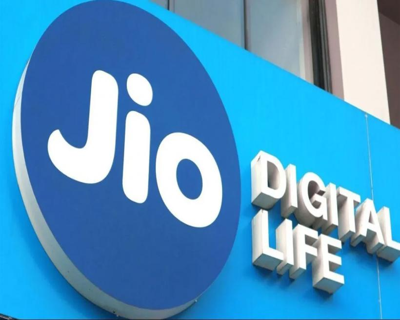 Reliance Must Pay Huge Dues for Jio's Spectrum: MP