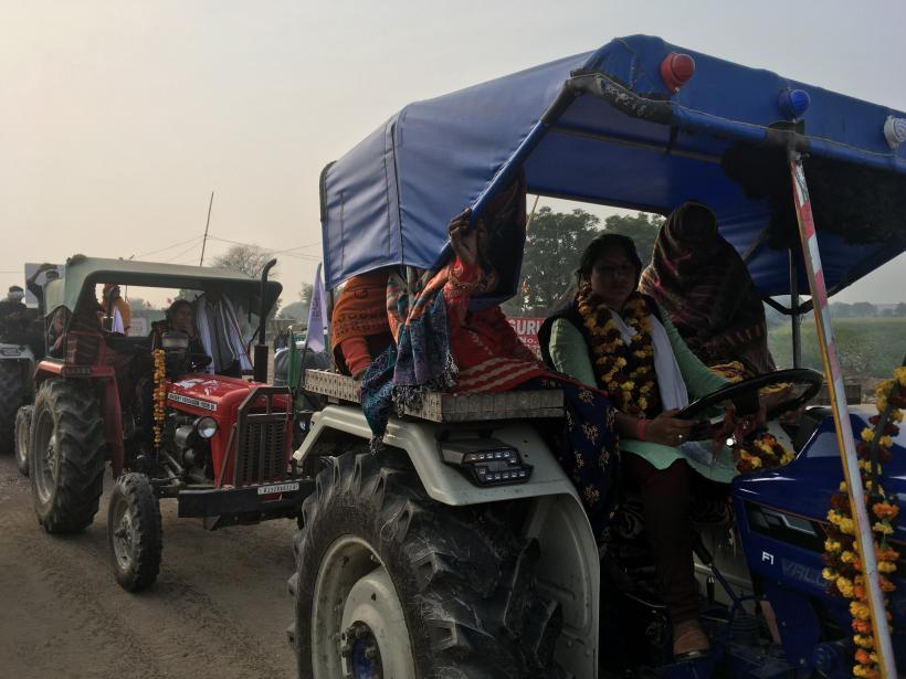 Women, driving tractors, reached Shahjahanpur border in the afternoon. Image clicked by Ronak Chhabra
