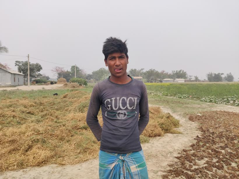 Aslam Shaikh has been working as a labour since childhood leaving school due to poverty.